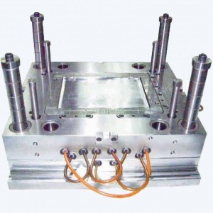 precision plastic injection mold (PM-07)